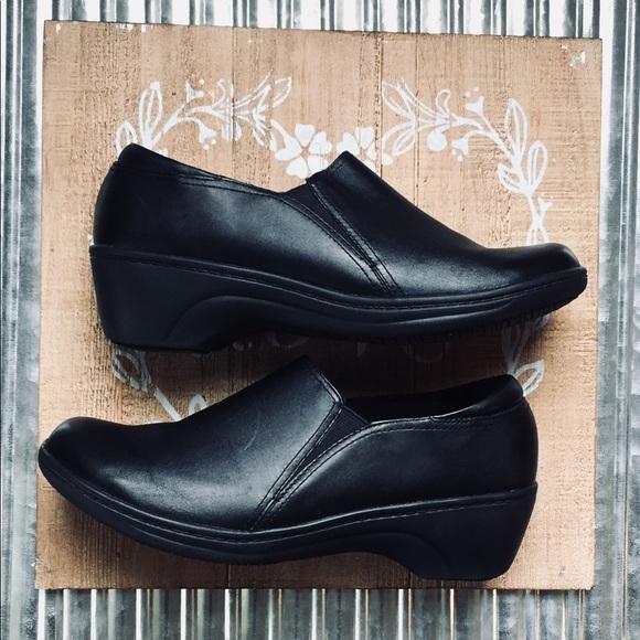 Clarks Shoes | Clarks Grasp Chime Slip